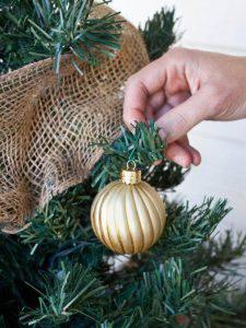 Como Enfeitar Árvore de Natal bolas