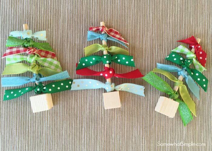 Como Fazer Laço de Natal arvore Easy-Ribbon-Christmas-Trees