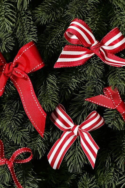 Como Fazer Laço de Natal vermelho christmas-ornaments-diy-tree