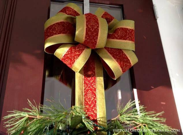 Como Fazer Laço de Natal vermelho e dourado na porta