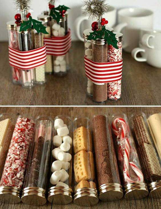 Ingredientes secos de bolo como lembrancinha de Natal