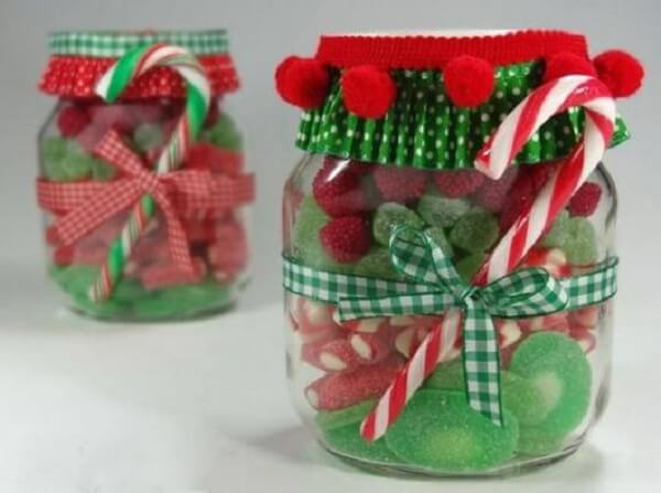 Christmas souvenirs decorated with jujubes and the Christmas colours
