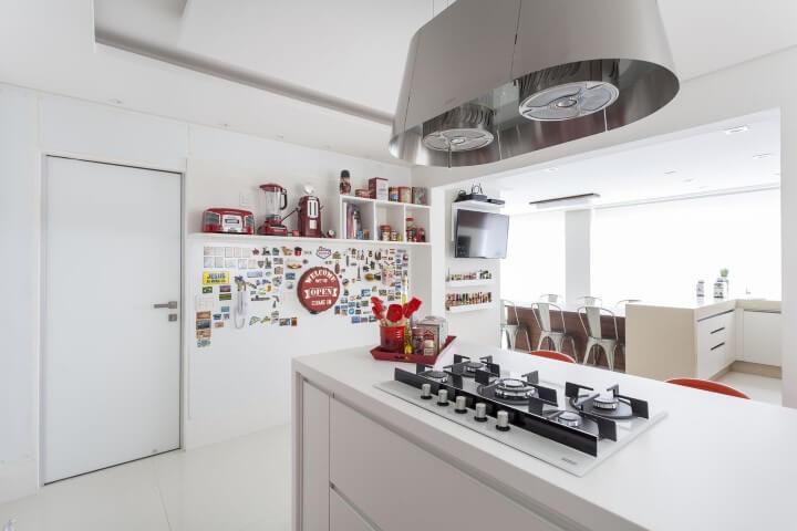 Pisos para cozinha branco Projeto de Mariana Luccisano