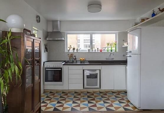 Pisos-para-cozinha-coloridos-Projeto-de-Leila-Dionizios