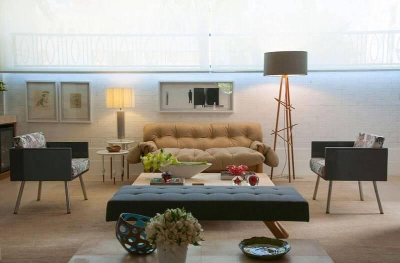 abajur grande e abajur pequeno como luminárias para sala projeto de In House