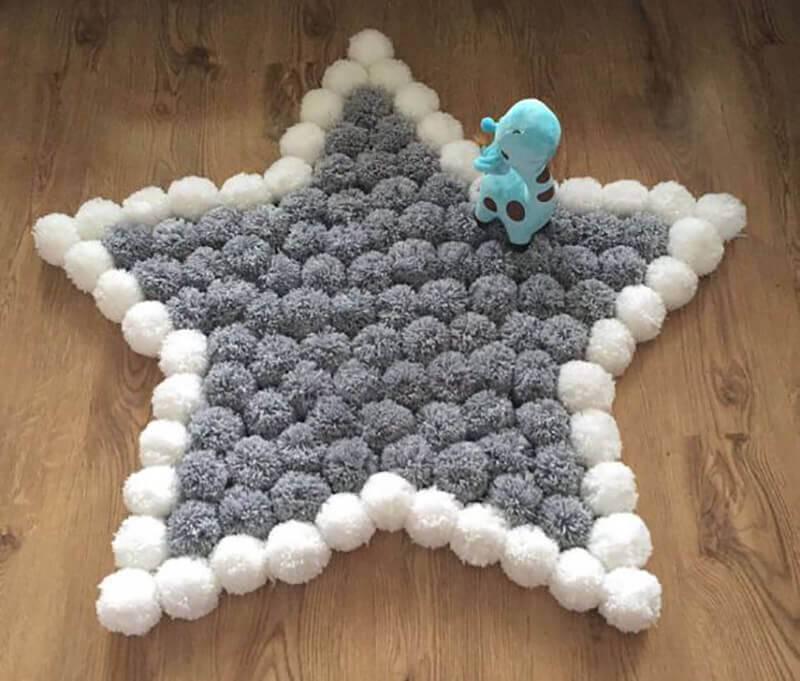 como fazer tapete de pompom estrela
