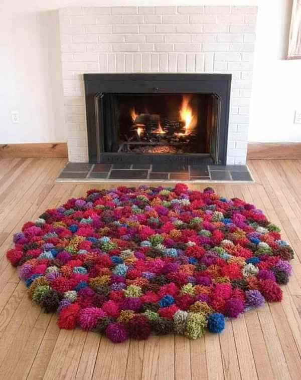 como fazer tapete de pompom lareira