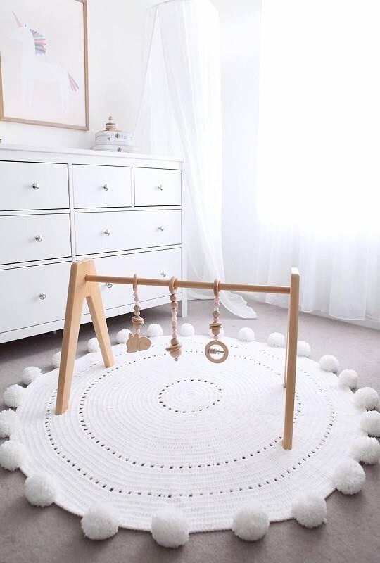 como fazer tapete de pompom redodndo