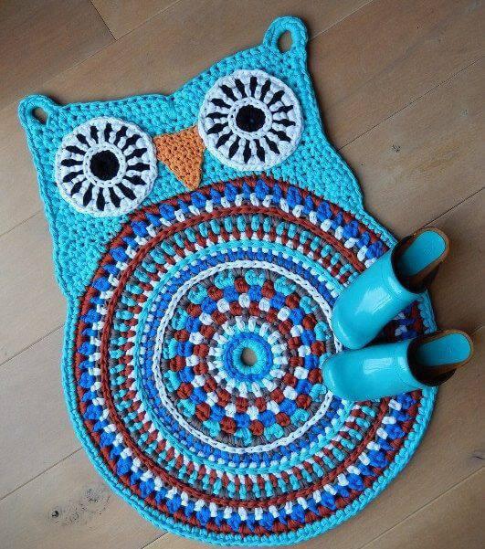 coruja de croche tapete azul