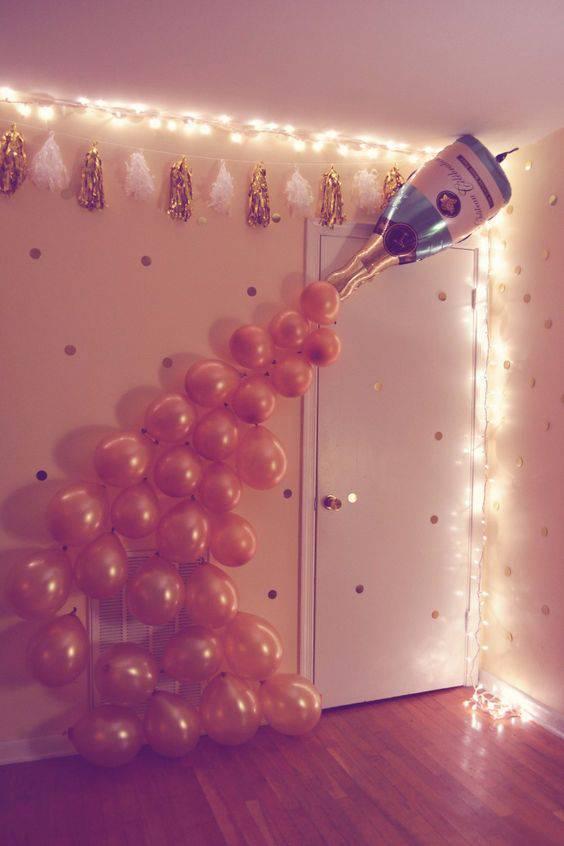 decoração de ano novo bexigas e champanhe