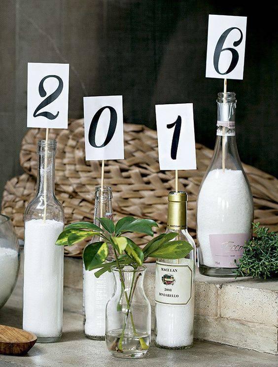 decoração de ano novo garrafa com areia