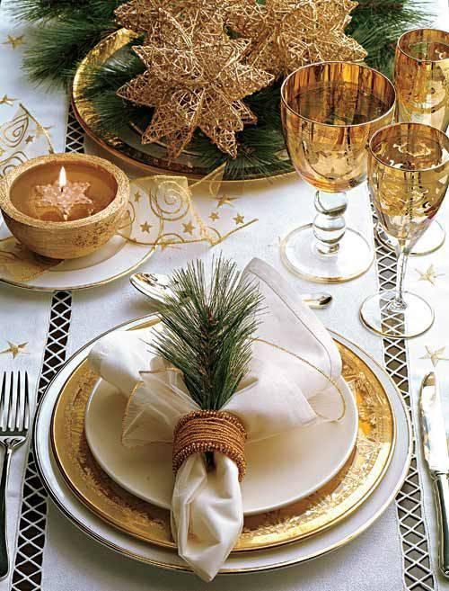 decoração de ano novo mesa dourada