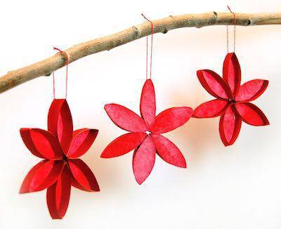 enfeite de natal reciclado flor de rolo de papel