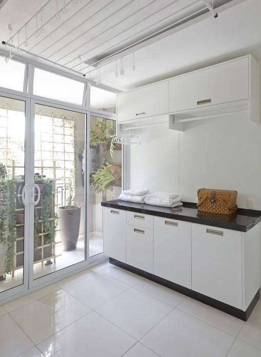 porta de vidro lavanderia area externa ana luisa previde 72013