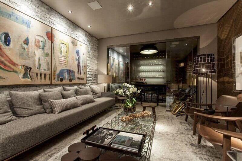 sala planejada com sofá cinza