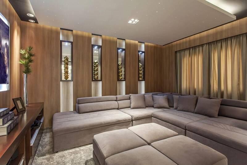 sala planejada com sofa de canto projeto de Iara Kilaris