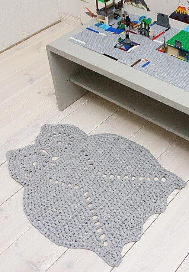 tapete cinza de coruja de crochê
