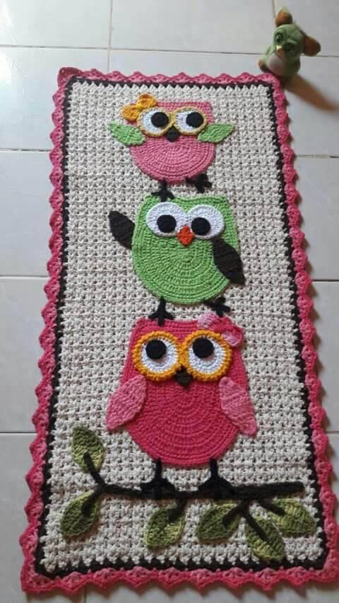 tapete de banheiro rosa Coruja de Crochê