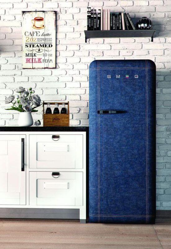 Aos amantes de jeans fica a dica desse envelopamento de geladeira. Fonte: Pinterest