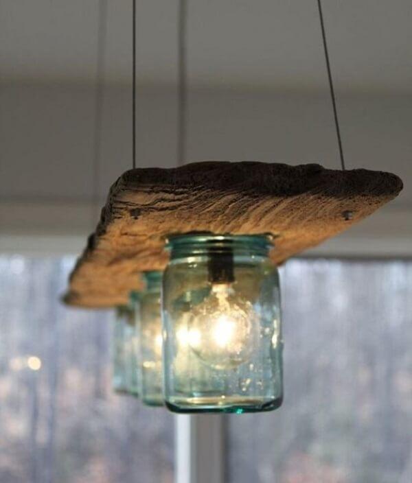 Artesanato em madeira pedaços