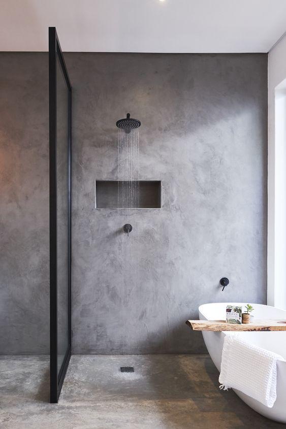 Banheiro com piso de cimento queimado