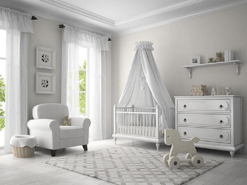 Decoração de quarto de bebê branco