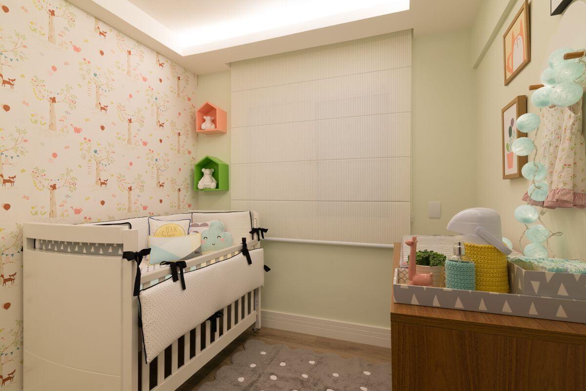 Decoração de quarto de bebê colorido em cores suaves Projeto de Danyela Correa