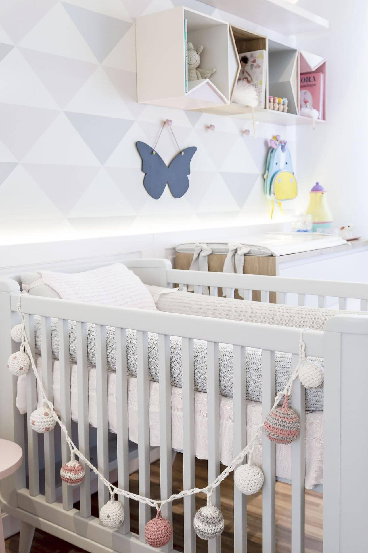 Decoração de quarto de bebê com clores suaves Projeto de Figueiredo Fischer