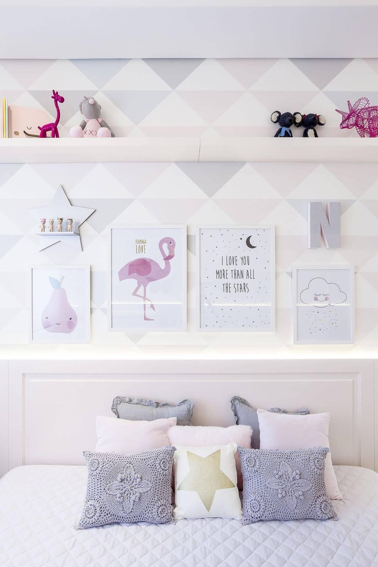 Decoração de quarto de bebê com cores nos detalhes Projeto de Figueiredo Fischer