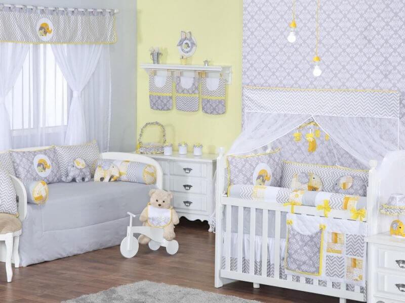 Decoração de quarto de bebê com elefantinho amarelo