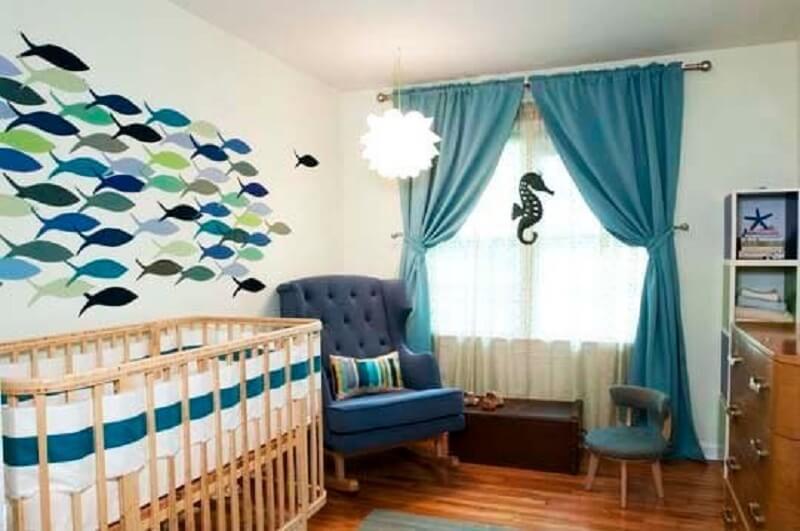 Decoração de quarto de bebê com tema fundo do mar