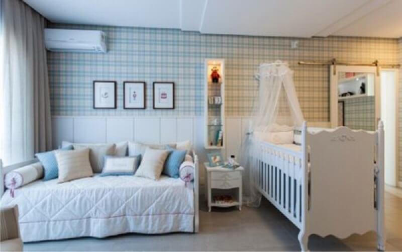 Decoração de quarto de bebê em estilo provençal