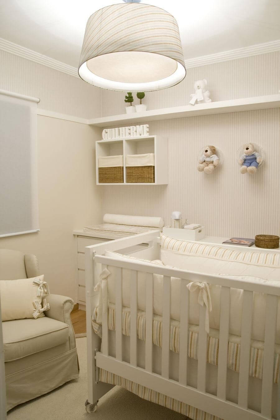 Decoração de quarto de bebê masculino todo em tons neutros Projeto de Lilian Barbieri
