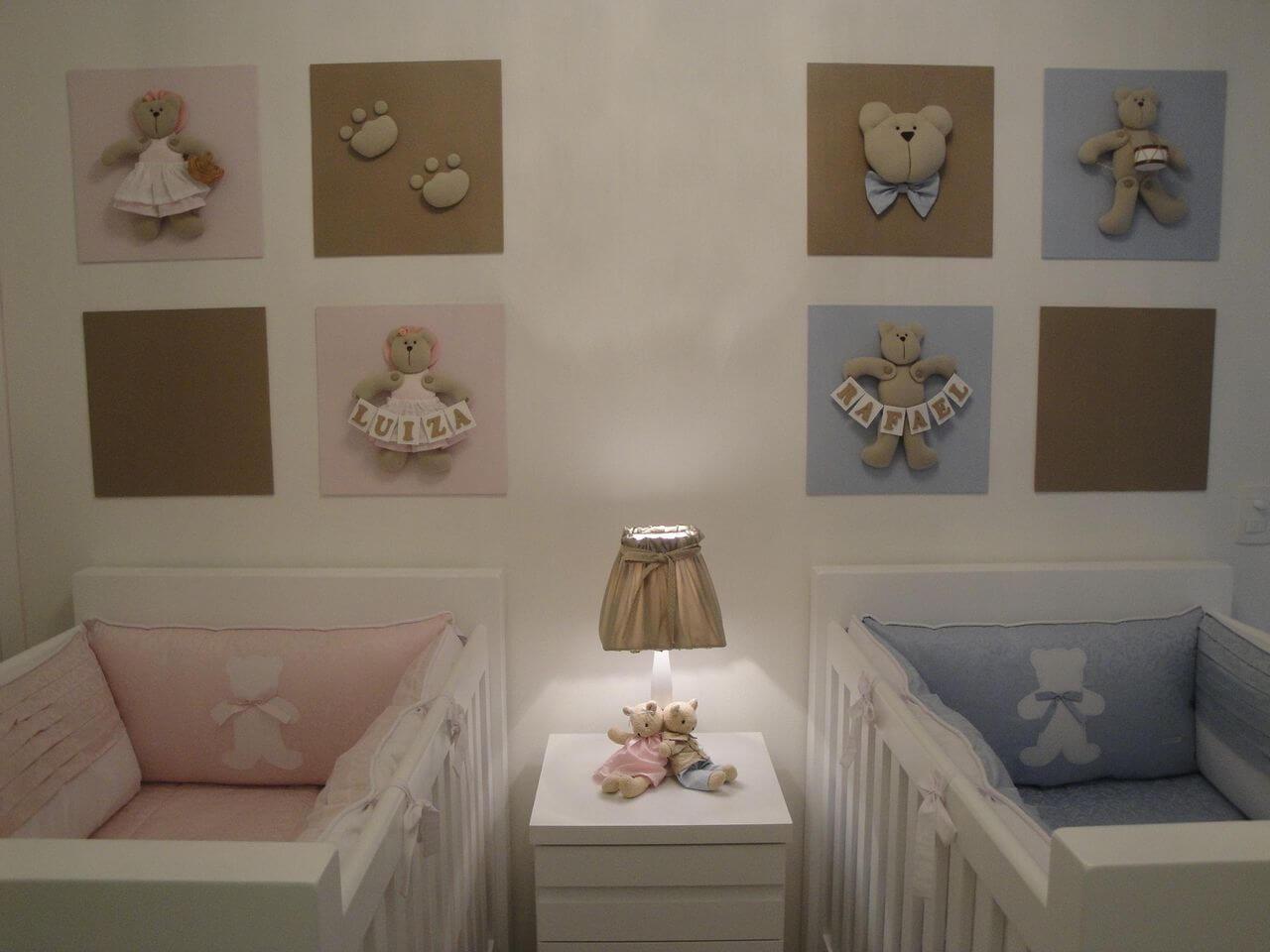 Decoração de quarto de bebê neutra com cores diferenciadas para a parte da menina e do menino Projeto de Leiza Veiga