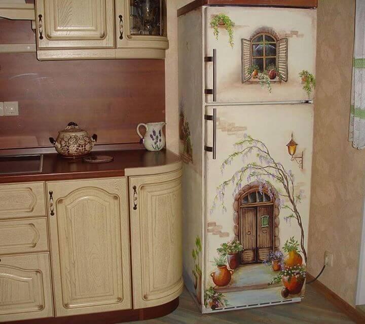 Envelopamento de geladeira com estampa de janelas