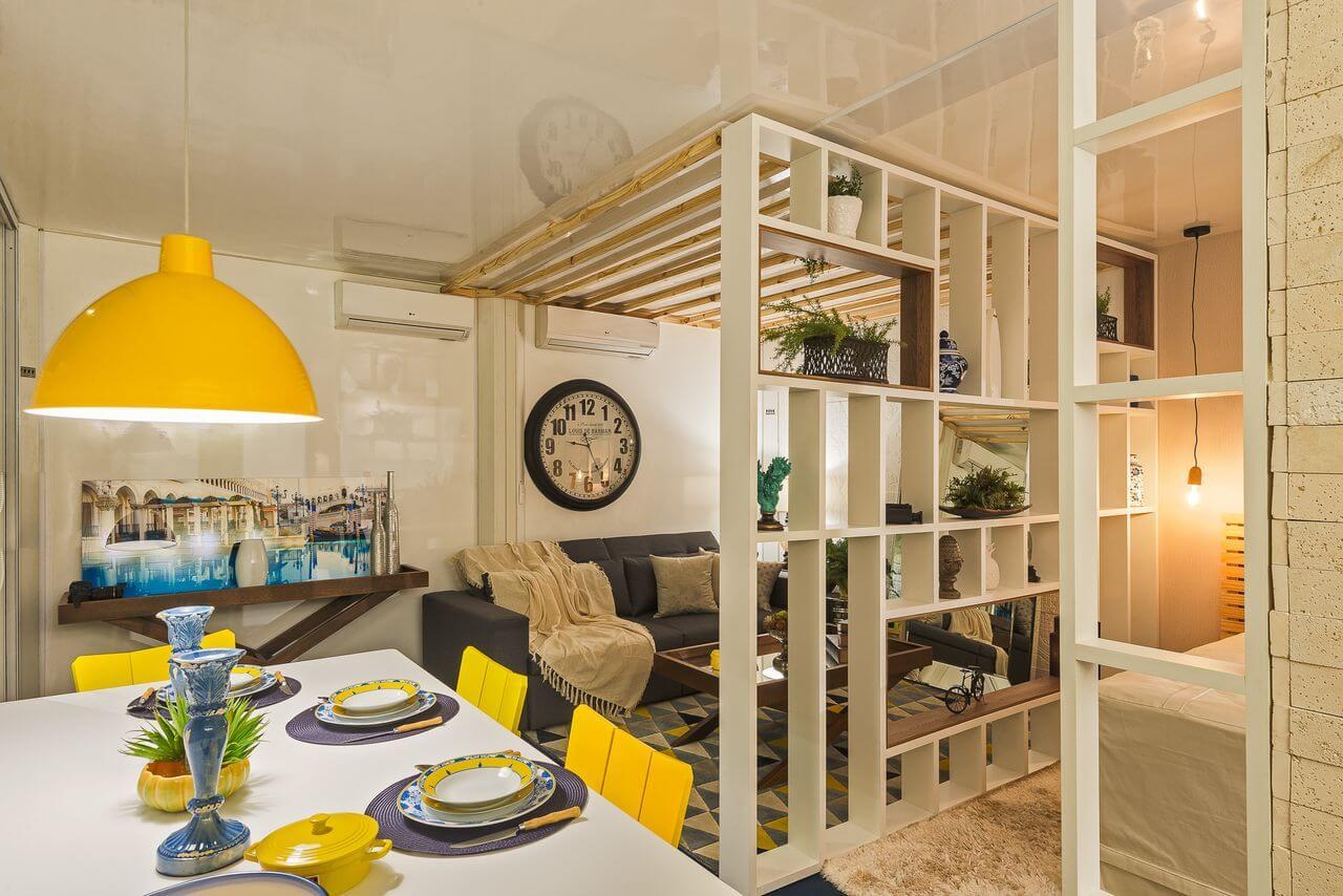Espaço conjugado com sala de jantar, quarto e sala de estar integradas Projeto de Morar Mais Por Menos Goiânia
