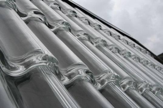 Telha de vidro, um dos tipos de telhas transparentes
