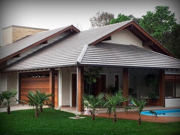 Telhado com tipos de telhas de concreto