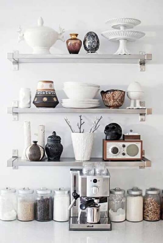 decoração com prateleira de aço para cozinha Foto Casal, Quintal, Etc & Tal