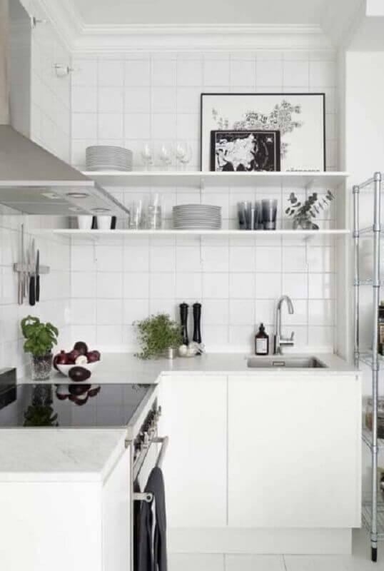 decoração com prateleira para cozinha pequena toda branca Foto Home Fashion Trend