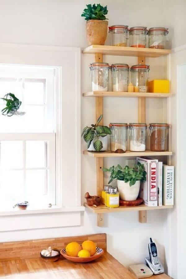 decoração simples com prateleira para cozinha Foto Pinterest