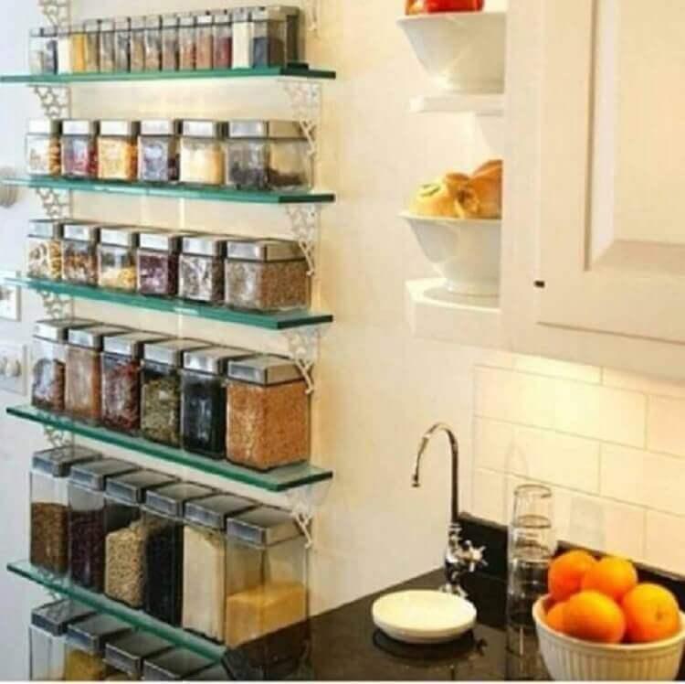 prateleira de vidro para cozinha para organizar temperos e mantimentos Foto Pinterest