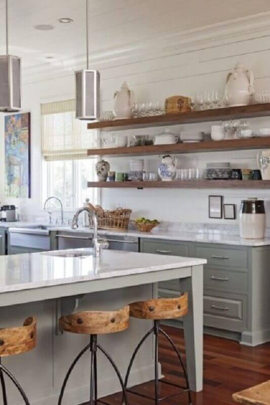 prateleira para cozinha cinza decorada com móveis planejados Foto Archidea