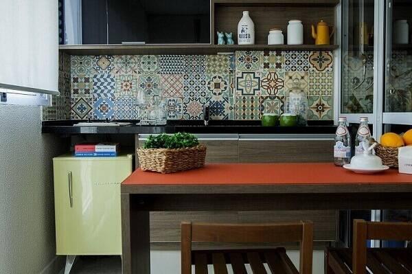 prateleira para cozinha vintage projeto de Tatiana Caçapietra