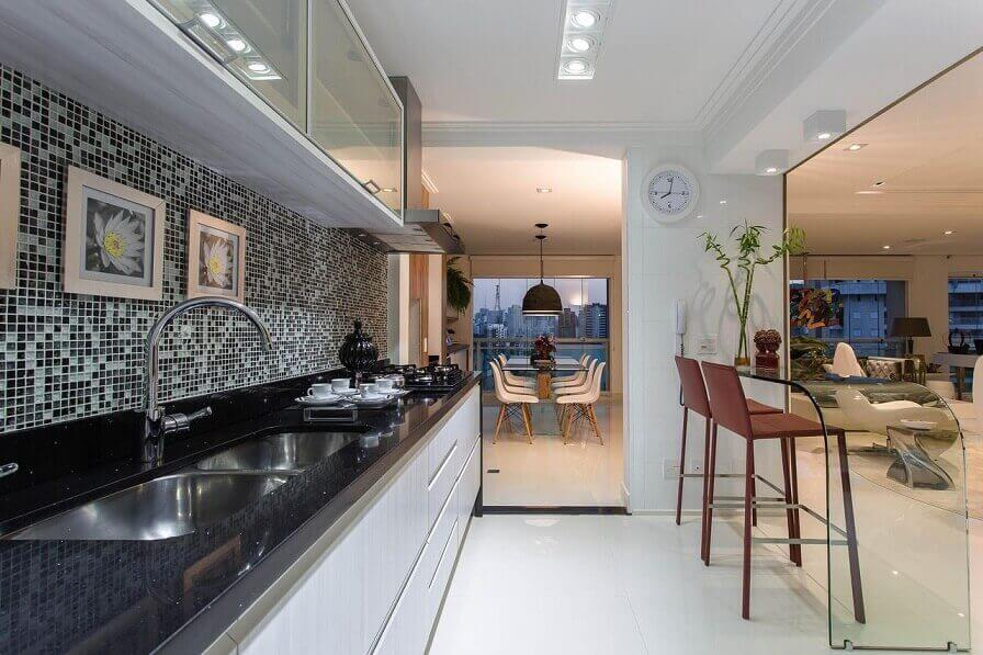 Cozinha integrada planejada Projeto de Marcia Acaro