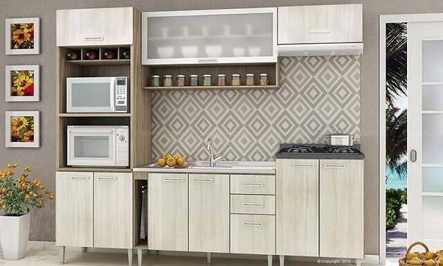 Cozinha modulada com adega, divisão para eletrodomésticos e mais Projeto de Lojas KD