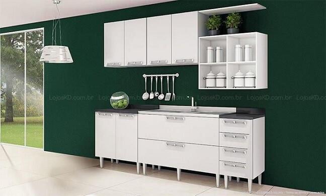 Cozinha modulada com armário branco-e parede verde Projeto de Lojas KD