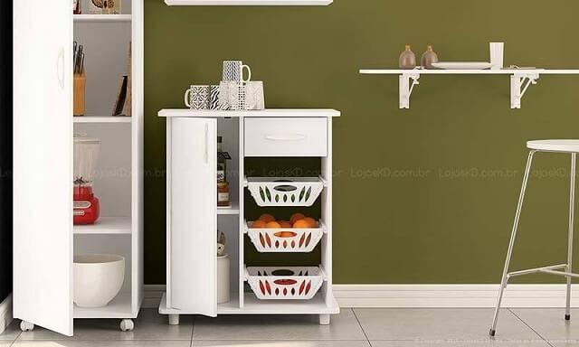 Cozinha modulada com armário e fruteira branca Projeto de Lojas KD