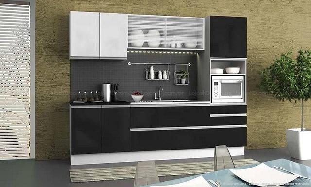 Cozinha modulada com armário preto e branco Projeto de Lojas KD