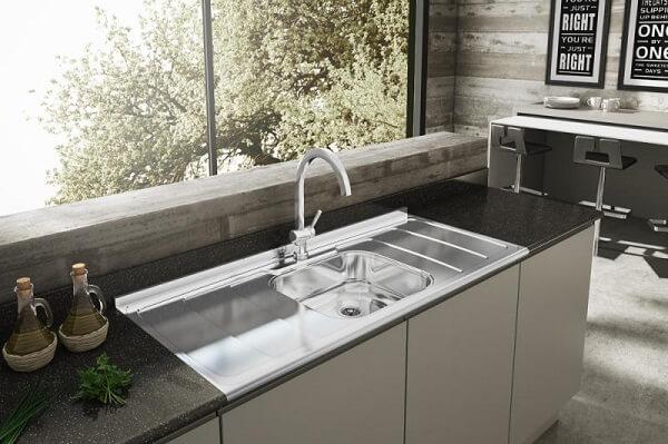 Modelos de pia de cozinha em inox